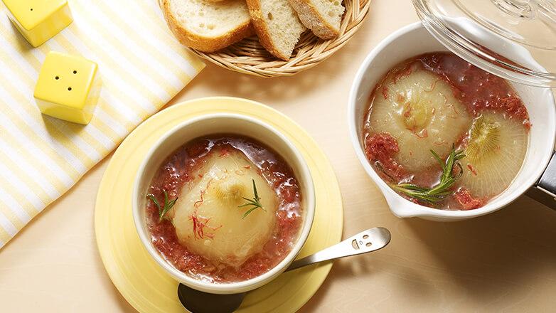 丸ごとオニオンのコンビーフスープ煮